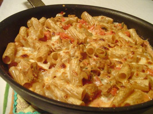 Quick Rigatoni with Sausage and Smoked Mozzarella