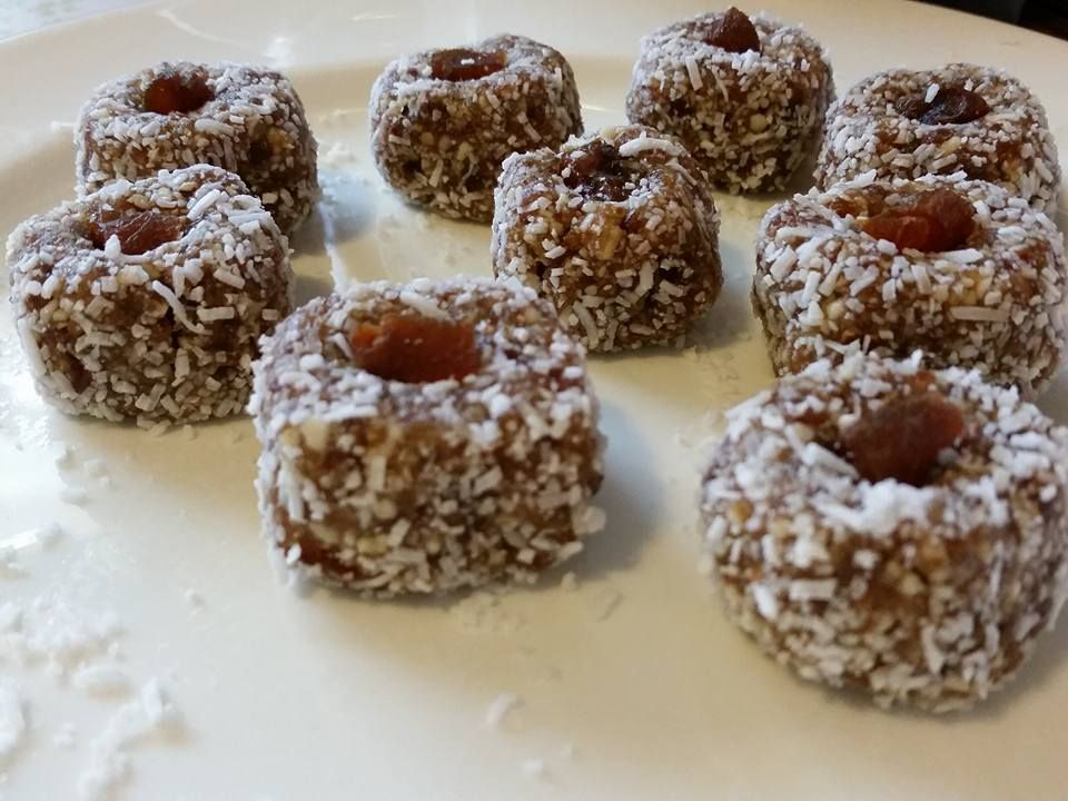 Apricot Energy Balls - raw vegan