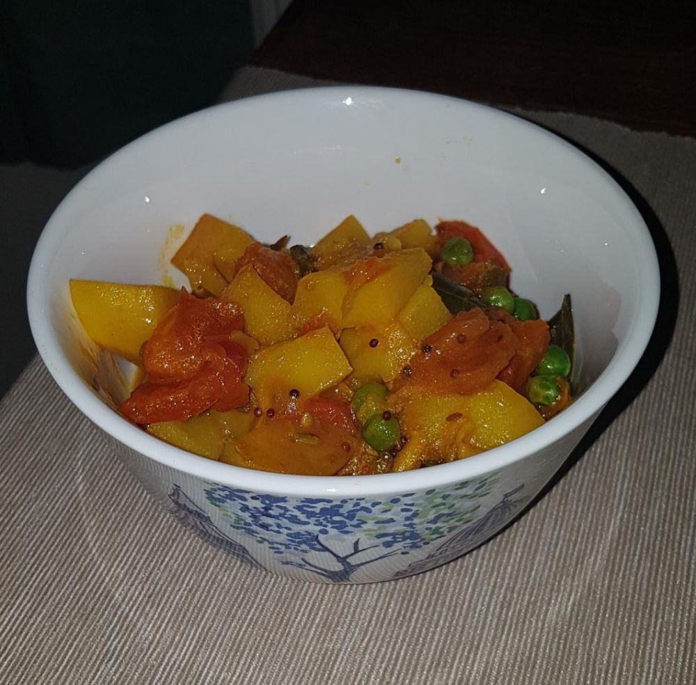 Gluten Free Potato and Pea Curry