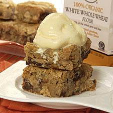 Warm Chocolate-Chunk Blondie Bars