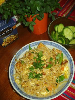 Angela's less than 30 min Trader Joe's Pad Thai