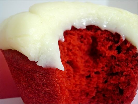 Red Velvet Cupcake Recipe inspired by Magnolia Bakery and Sprinkles Cupcakes