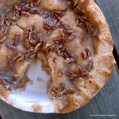 Apple-Praline Pie