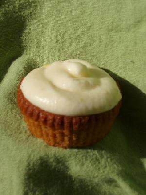 Pomegranate Cupcakes with Tangerine Mascarpone Frosting (aka Penelopes)