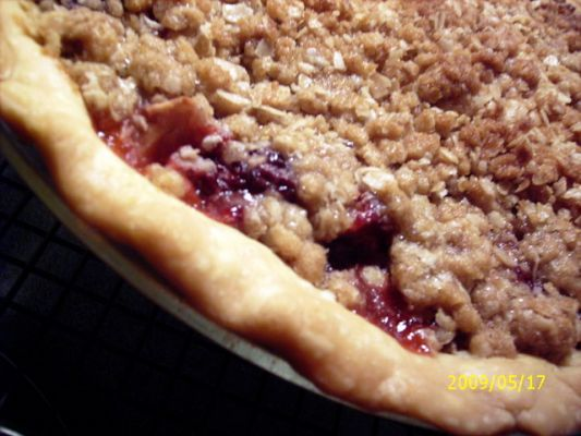 Very Berry Crumble Pie