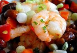 Spicy prawns with peanuts and bell pepper