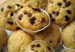 Banana Chocolate Chip Muffins (made with frozen bananas)