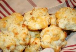Cheesey Garlic Biscuits