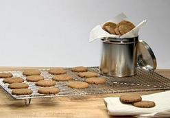 Peppery Ginger Snaps